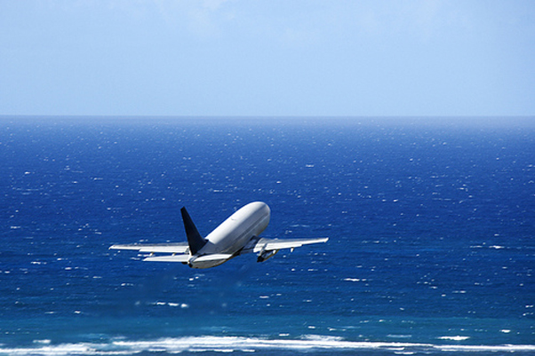Flickr-Airplane-over-ocean-by-The-Lane-Team.jpg