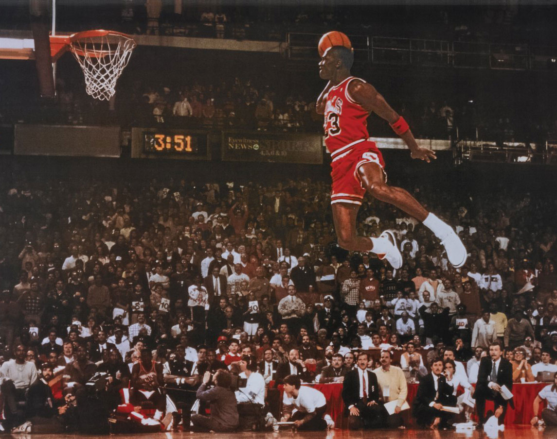 michael-jordan-dunk-wallpapers-widescreen-On-High-Resolution-Wallpaper.jpg